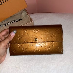 Louis Vuitton Bronze Vernis Sarah Gold Wallet